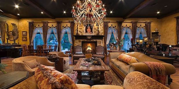 "Michael Jackon's ""Thriller Villa"" is up for sale."