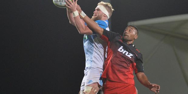 Jimmy Tupou battles Josh Bekhuis in a lineout earlier in the season. Photo / Getty