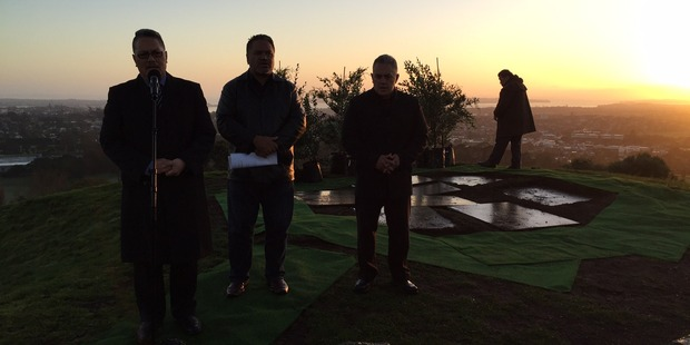 The dawn ceremony begins at One Tree Hill. Photo / Lincoln Tan