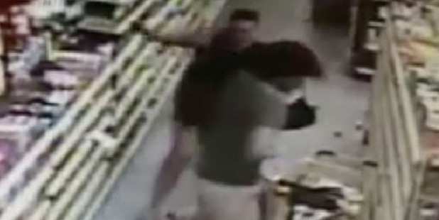 Loading A mother confronts a man who tried to grab her teenage daughter. Photo / Screengrab