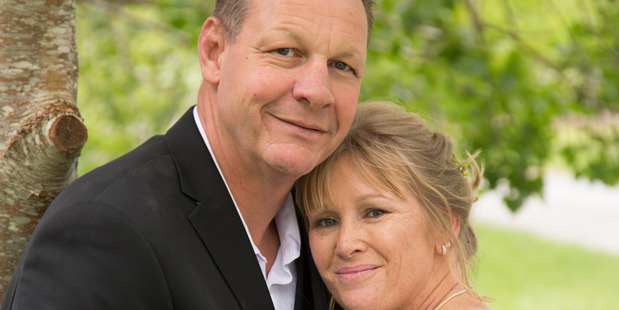 Nick Saull and Jan Saull from Red Beach on their wedding day Photo / Supplied