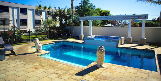 New Plymouth's The Devon has a pleasant pool area.
