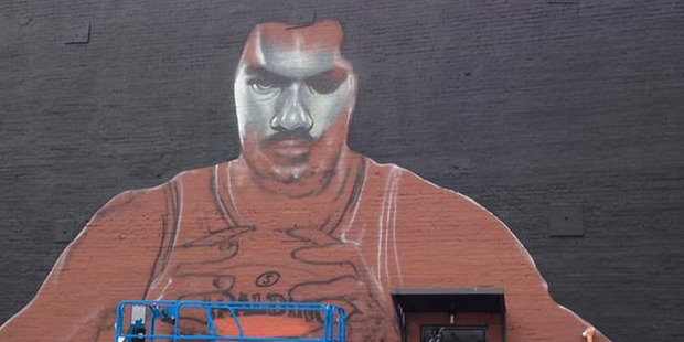 New Zealand artist Graham Hoete has made his mark on Oklahoma City after travelling to America to spray-paint a huge mural of basketballer Steven Adams. Photo / Twitter.