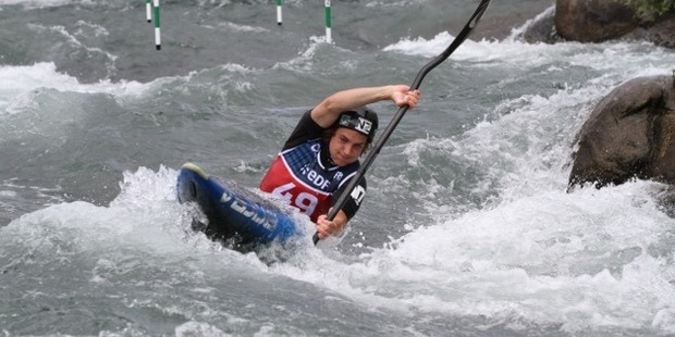 New Zealand kayaker Callum Gilbert on his way to 20th in the heats of the third ICF canoe slalom World Cup of the season in France overnight.  Photo/Glenys Travers Photography