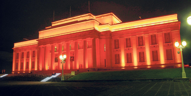 Today from dusk, see the Auckland War Memorial Museum light up.