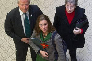 Anti-glyphosate petition presented to council (+video)
