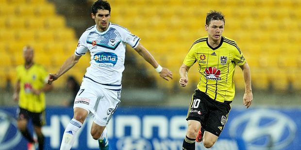 Gui Finkler (left) will be teamed up with Michael McGlinchey (right) at the Wellington Phoenix this season. Photo / Getty