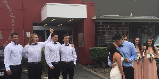 Wedding of Louis and Ashleigh Davis outside KFC in Whangarei. Photo / via Facebook