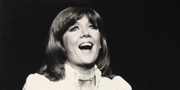Cilla Black on stage at the Auckland Town Hall, 1971. Photo / NZH