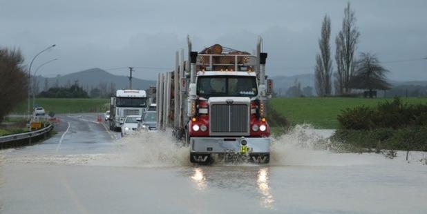 Flooding near Pongakawa. Photo/John Borren