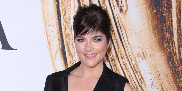 Selma Blair was reportedly carried off a flight on a stretcher after suffering a mid-flight episode. Photo / Splash