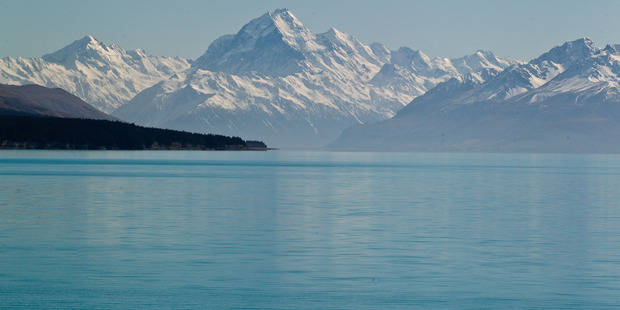 """Lake Pukaki """"is such an unearthly shade of blue that it looks like a scene out of a movie,"""" wrote Conde Nast. Photo / Richard Robinson"""
