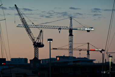 New apartment buildings are going up quickly in Auckland - but plans for 28 blocks with 1900 units have been abandoned over the past year. Photo / NZ Herald