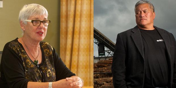Eastside Residents' Association chairman Ra Daniels, right, and Mayor Steve Chadwick.  Photo/File