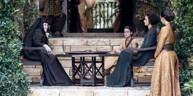 Olenna Tyrell met with the Sand Snakes of Dorne.