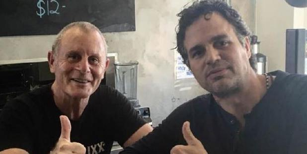 Spike Neumann and Thor: Ragnarok star Mark Ruffalo at Hendrixx Espresso. Photo / Facebook