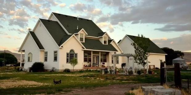 Victorian Farm, Tremonton, has horses, a pony, sheep, chickens, ducks, and a couple of turkeys. Photo / Airbnb