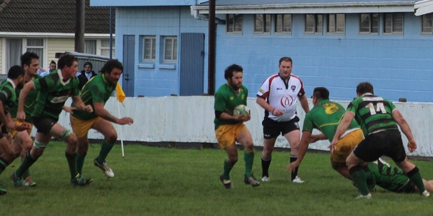 Aotea's Matty Lowe with the ball, about to make a run up the sideline.