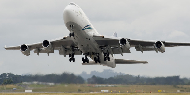 An Air New Zealand Boeing 747 takes off from Auckland International Airport. Photo / Paul Estcourt