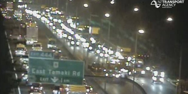 A crash southbound on Auckland's Southern Motorway has blocked two lanes after East Tamaki. Photo / NZTA