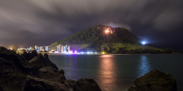 Loading The large scrub fire in Mt Maunganui continues to burn. Photo / Supplied by Gavin Lodge