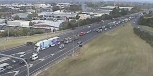 Traffic backed up at Redoubt Road on the Southern Motorway. Photo / NZTA