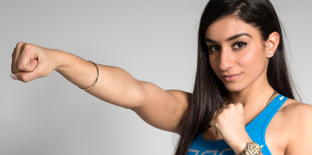 Naz Khanjani has been replaced by Laura Newell for tonight's boxing match against Lily Taurau.