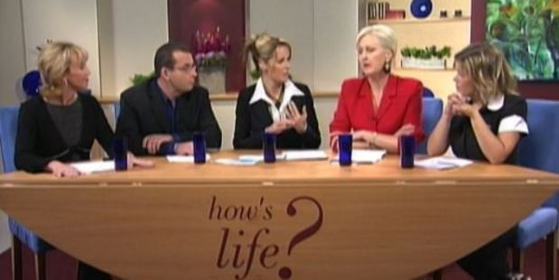 A scene from How's Life featuring panelists Suzanne Paul, Paul Henry, Charlotte Dawson, Christine Rankin and Robyn Malcolm. Photo / NZ On Screen