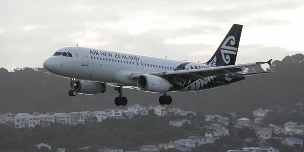 Domestic airfares fell 9.9 per cent in the last quarter, said Statistics NZ. Photo / Mark Mitchell