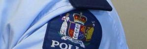 Police hunt armed robber in South Auckland