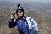 Skydiver Luke Aikins will leave his chute in the plane when he bails out 25,000 feet over Simi Valley. photo / AP