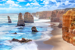 What should I see along the Great Ocean Road?