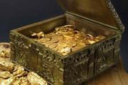 This image provided by Forrest Fenn shows a chest purported to contain gold dust, hundreds of rare gold coins, gold nuggets and other artefacts. Photo / AP