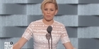 Watch: Watch: Elizabeth Banks' jokes tank during Hillary Clinton speech