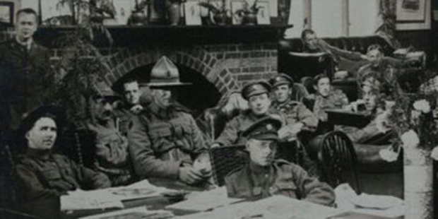 New Zealand troops relaxing in London's Shakespeare Hut lounge. Photo / YMCA image, courtesy of Cadbury Research Library, University of Birmingham