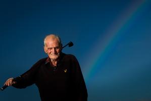 94-year-old golfer Cyril Hart.