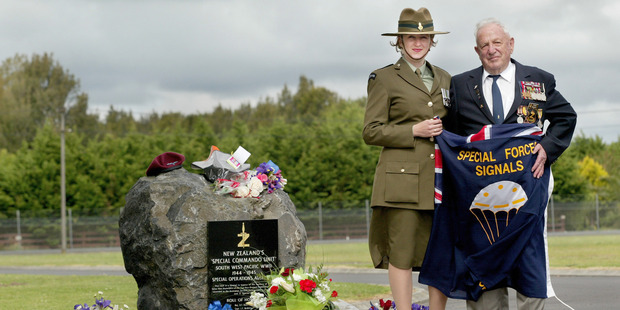 Frank Wigzell and Major Rachael Stott at the memorial for New Zealand's Special Commando Unit at Papakura.
