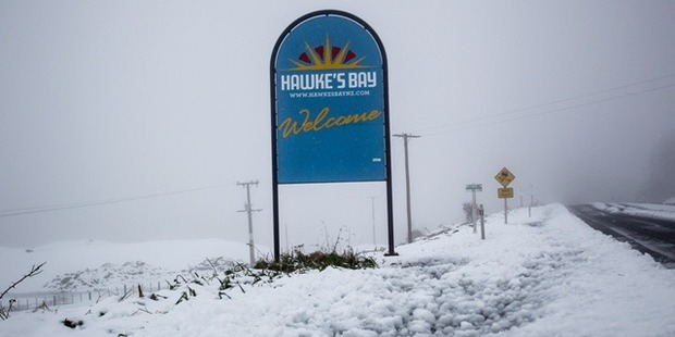 WHITE: Snow has closed the Napier-Taupo road. PHOTO/PAUL TAYLOR.