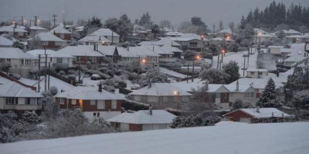 Brockville woke to snow. Photo / Stephen Jaquiery