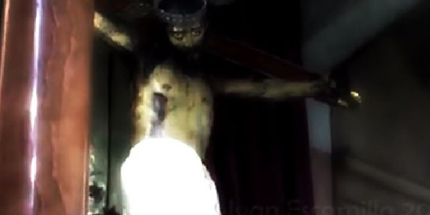 The Mirror reports investigators have scoured over the vision which appears to show the figure quickly open its eyes at a church in Mexico. Photo / Supplied / Adimensional Paranormal