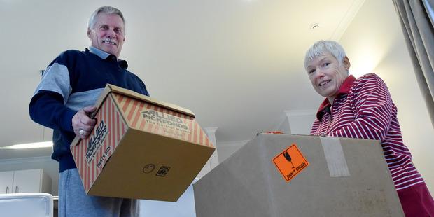 Vendors Mal and Linda Lewis. Photo/George Novak