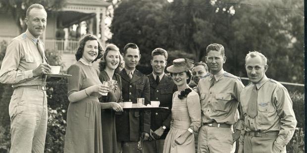 US officers take tea in a break from the war. Photo/ NZ Herald