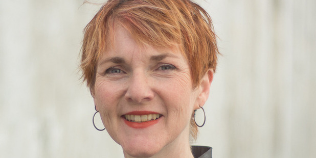 Author Katherine Dewar will give a talk in Whanganui this weekend.