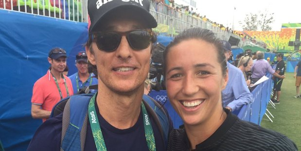 New Zealand women's sevens captain Sarah Goss with Hollywood star Matthew McConaughey. Photo / Twitter
