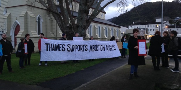 Pro-choice supporters demonstrated next to the weekly pro-life protesters outside Thames Hospital. PHOTO/SUPPLIED