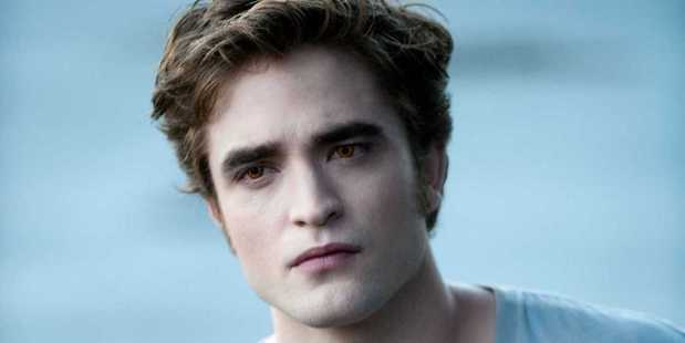 Robert Pattinson said he turned to alcohol to get through Twilight press interviews.