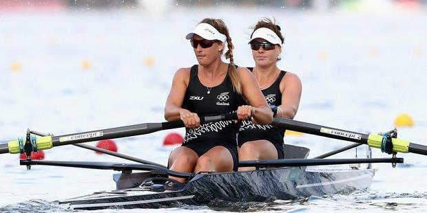 Whanganui's Rebecca Scown (front) and Genevieve Behrent on their way to winning the silver medal in the women's pair at the Rio Olympics.