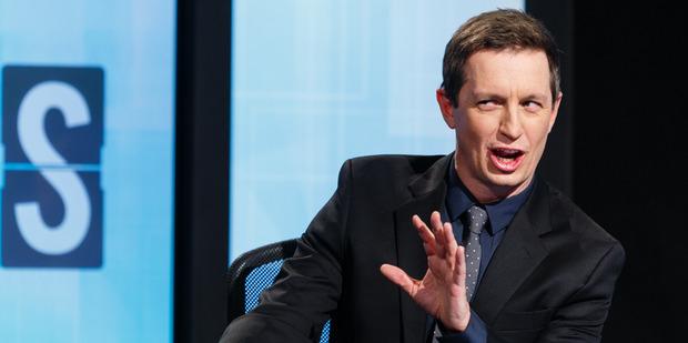 Rove McManus replaces Jeremy Corbett on tonight's episode of TV3's 7 Days.