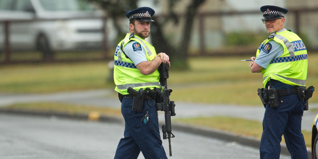 Rotorua police respond to reports of gunshots heard near Sunset Rd this morning.  Photo/Stephen Parker