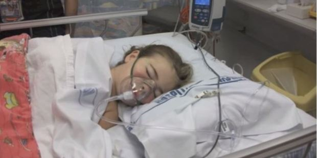 In 2012, her father Adam Collins donated his kidney to Maddie Collins. However, after five hours her body rejected it. Photo / Sarah Collins YouTube